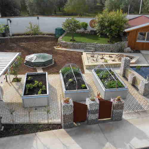 Hochbeet Bio Lebensmittel Aus Dem Eigenen Garten